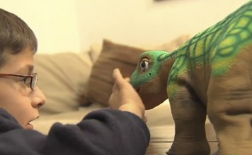 El Pleo RB es una mascota robótica con forma de disnosaurio